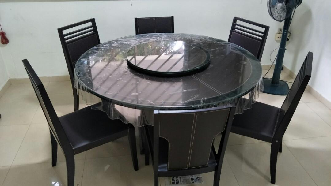 Lorenzo Round Dining Table With 6 Chairs Furniture Tables Chairs On Carousell