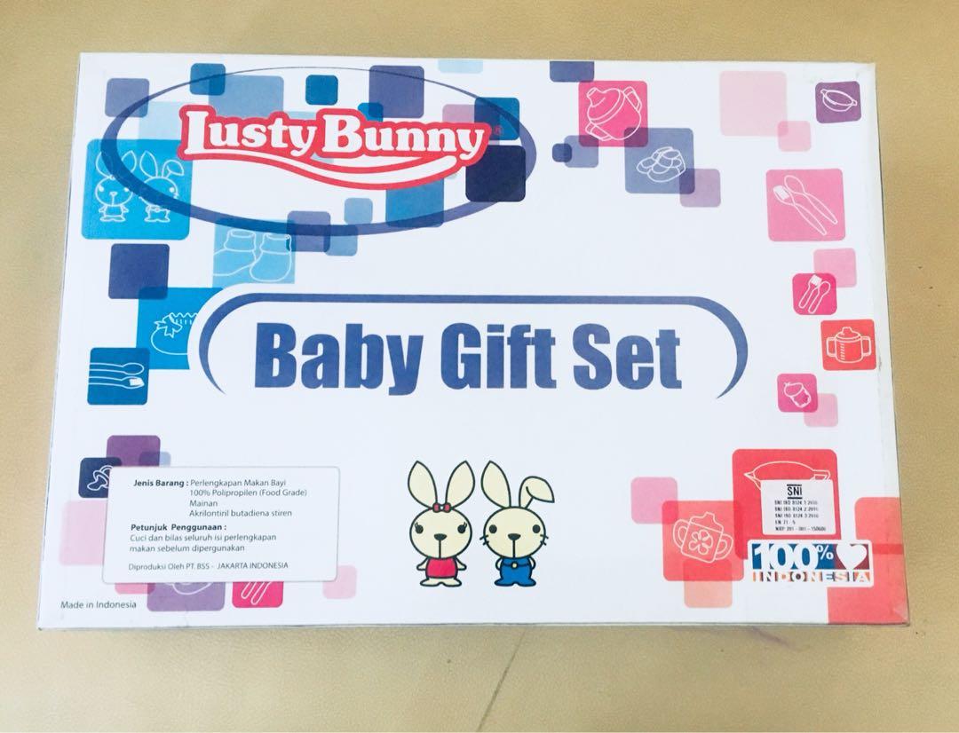 Lust bunny feeding set