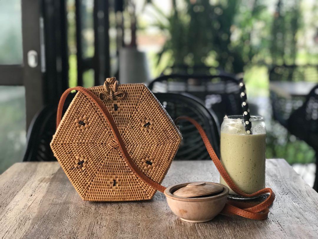 RARE DESIGN! Balinese handwoven rattan bags  bamboo bags  straw bags ... d0a094ff9ac17