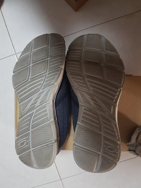 Pre loved Skechers men casual shoes