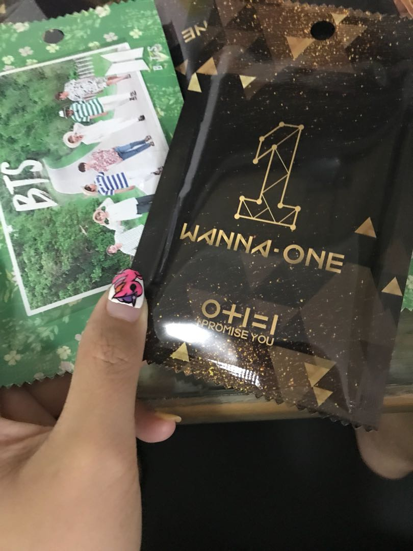 Wanna One/BTS Yes Card