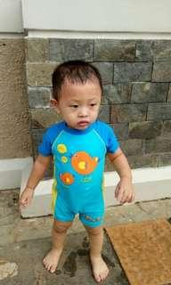 Baju renang anak ber merk size 1thn harga beli 399.000 jual 99.000