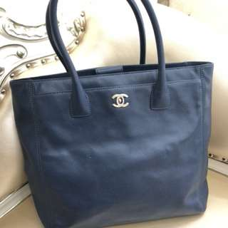 Chanel 海軍藍牛皮大袋🦋