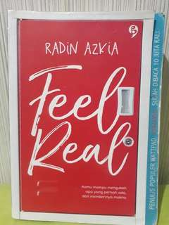 Novel feel real karya Radin Azkia