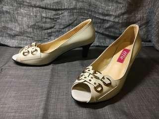 🚚 Aso阿瘦-經典米色高跟鞋9.9新