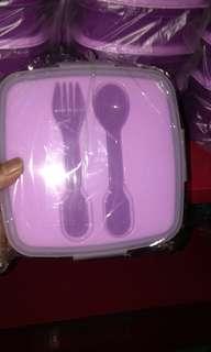 Tempat makan+ sendok