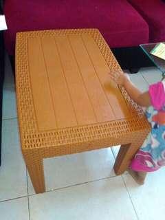 Meja Tamu Sofa Plastik Anyaman coklat muda OLYMPLAST