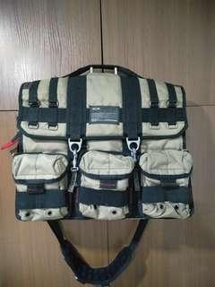 OAKLEY TACTICAL FIELD MESSENGER BAG