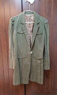 🚚 墨綠色大衣