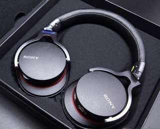 Sony High Resolution Headphones with Built In DAC - Lightning, USB, Micro-USB connection - MDR-1ADAC - Black
