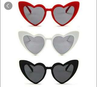 kacamata maroon