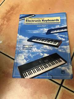 Alfred's Basic Chord Approach To Electronic Keyboards