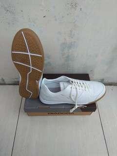 Sepatu Futsal Diadora Giante