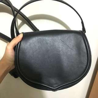 Mango Monki 黑色 black leather shoulder 實用袋 斜孭袋