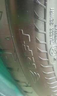 Tayar Bridgestone Potenza RFT 225.50.17