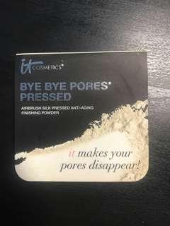🚚 It cosmetics bye bye pores pressed finishing powder