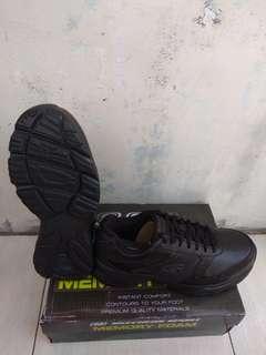 Sepatu Skechers Full Black