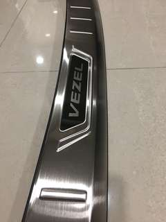 Honda vezel rear boot chrome protector