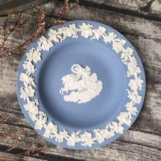 🚚 英國製Wedgwood Jasper 水藍碧玉浮雕圓形置物碟