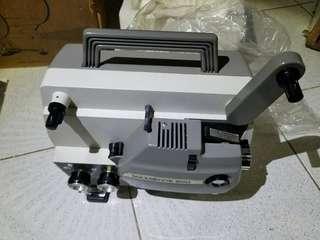 super 8放映機  8米厘放映機,外盒殘舊,機身新淨,沒有試過,不知好壞,沙田廣源邨交收,如順路可在深水埗,老香港懷舊物品