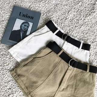 。復古休閒高腰顯瘦捲邊牛仔短褲(附腰帶)。兩色