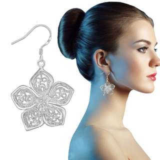 BN 925 Sterling Silver Hollow Charming Flower Ear Clip Earrings [MJN63]