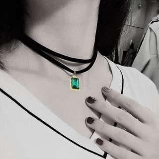 BN Delicate Women Black Velvet Ribbon Choker Green Crystal Pendant Necklace [MJN97]