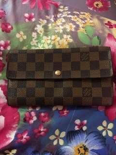 lv sarah damier wallet