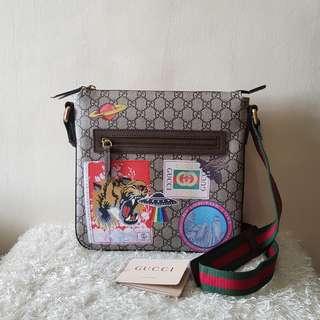 Authentic Gucci GG Supreme Appliquéd Messenger Bag