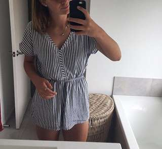 pretty play suit ! Size xs