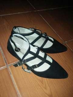 Solemate stella sandals