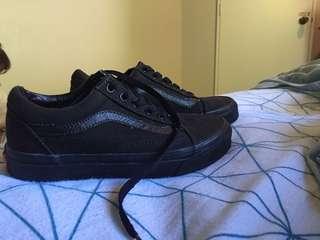 Black old skool vans size 6.5