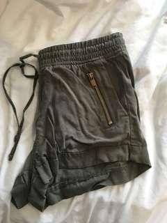 H&M shorts - size us 2