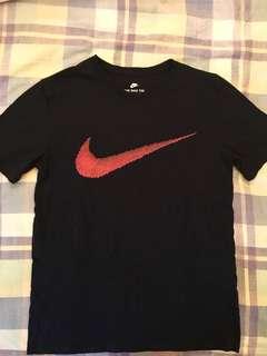 🚚 Nike 紅色大勾短T