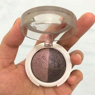 Eyeshadow duo color