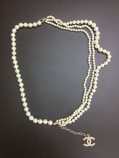 Chanel multi pearls chain cc logo necklace