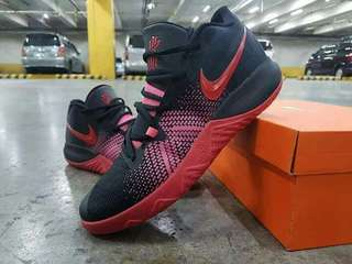 """HOTTEST DROP😍 """"Kyrie flytrap😍  100%  quality  Grab it now Limited stock 🤓🤓🤓🤓  For more details pm me thank you and respect   We accept reserve/meet up/shipping"""