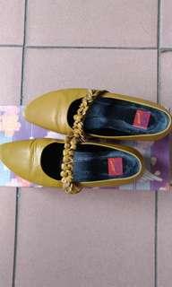 🚚 中低跟娃娃鞋35.5