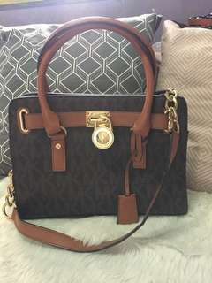 Michael Kors Hamilton Small with flaws show in the pictures
