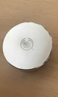 Bedak tabur - the body shop