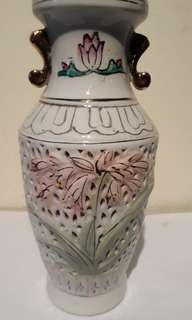VINTAGE 1910-1929S  6 INCHES HEIGHT  SMALL VASE THIS IS A MUCH HARD LABOUR TO MAKE  & PAINTED GLAZED