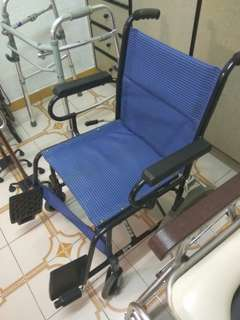Wheelchair foldable