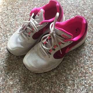 🚚 Nike 慢跑鞋23.5