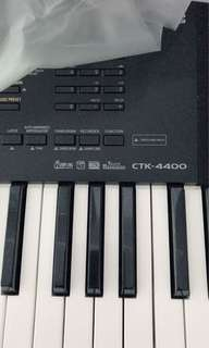 🚚 Portable piano from Casio