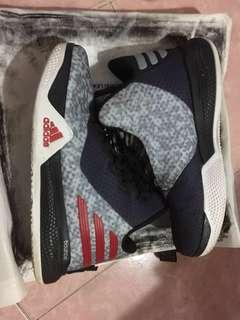 男童 Adidas ortholite籃球鞋 39碼