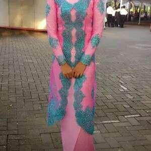 Kebaya wanita pink biru