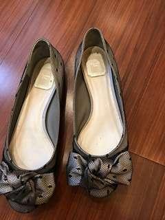 🚚 Christian Dior 蕾絲鞋-出清