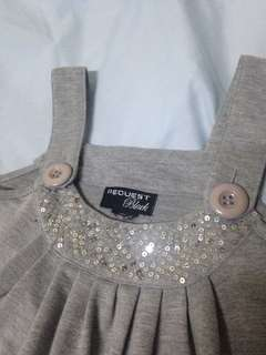 Girl's blouse with sequins