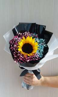 Sunflower Graduation Bouquet | Coloured Babybreath | Pink Babybreath | Blue Babybreath | Dried Flowers | Graduation Plush | Graduation Ceremony | Birthdays | Message Card Included If Requested