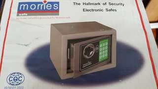 Morries safe box 23cmx18cmx18cm
